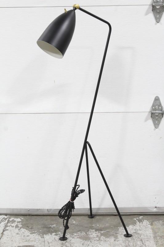 Lighting Floor Lamp Modern 3 Legs Matte Finish Bullet Shade