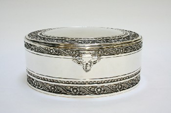 Box, Jewelry, OVAL W/HINGED LID & LATCH,FLORAL TRIM,INTERIOR W/2 LAYERS, METAL, SILVER
