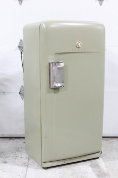 Appliance, Fridge, VINTAGE,RETRO GREEN (PAINTED), 1 LATCHED DOOR W/CHROME HANDLE, METAL, GREEN