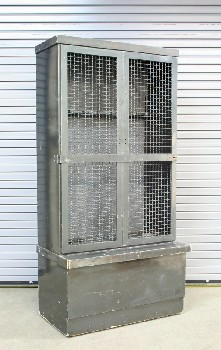 Locker, Misc, GUN CABINET,DOUBLE MESH DOORS W/BAR, HOOKS & INSIDE, ROLLING , METAL, GREY
