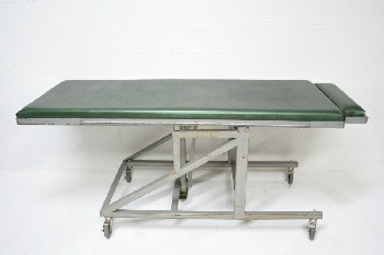 Medical, Table, VINYL PADDING,ADJUSTS TO STAND,INTERROGATION / TORTURE, ROLLING , METAL, GREEN