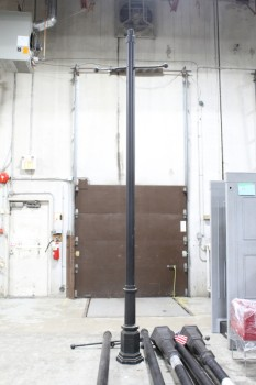 "Street, Pole , NEARLY 13' POLE, UPPER ""T"" BARS W/BALL ENDS (3' WIDE) FOR SIGN OR FIXTURE, 12"" BASE, FREESTANDING , METAL, BLACK"