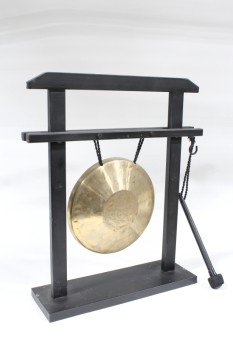 Music, Gong, ROUND BRASS GONG, BLACK STAND W/ATTACHED WAND, FREESTANDING, METAL, BRASS