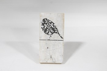 Wall Dec, Hanger, RECTANGULAR WOOD BLOCK W/HOOK & BLACK/WHITE BIRD ON A WIRE, RUSTIC/OLD LOOK, WOOD, WHITE