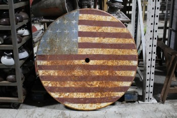 Table Top, Miscellaneous, HAND PAINTED FOLK ART AMERICAN FLAG TABLE TOP, STARS & STRIPES, U.S.A., HOLE FOR UMBRELLA, RUSTY, METAL, RED