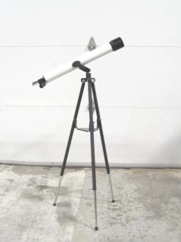 Science/Nature, Telescope, KIDS'/BEGINNERS' TELESCOPE, ADJUSTABLE LEGS, TRIPOD MOUNTED, PLASTIC, BLACK